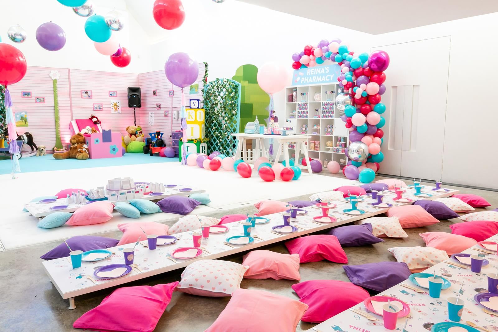 Dazzle and Fizz was founded in 2010 by childrens party planners, Charlotte Morris and Christie Molgaard. Click to find out more.
